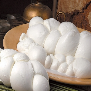 Braided Mozzarella di Bufala 500 Gr.