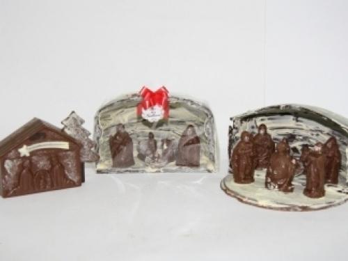 Scène de la Nativité en chocolat avec Cave