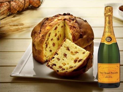 artisanale Panettone traditionnel + Champagne Veuve Clicquot Brut 75 cl.