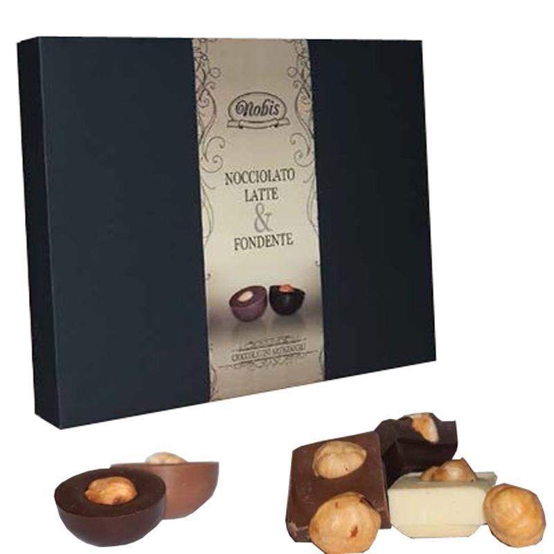 Cioccolatini nudi cioccolato al latte ripieni di fondente