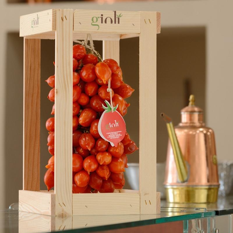 Tomate Lapillo Rouge Dans un présentoir en bois Kg. 1,5
